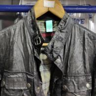 Reparar chaqueta Belstaff de nylon pegajosa